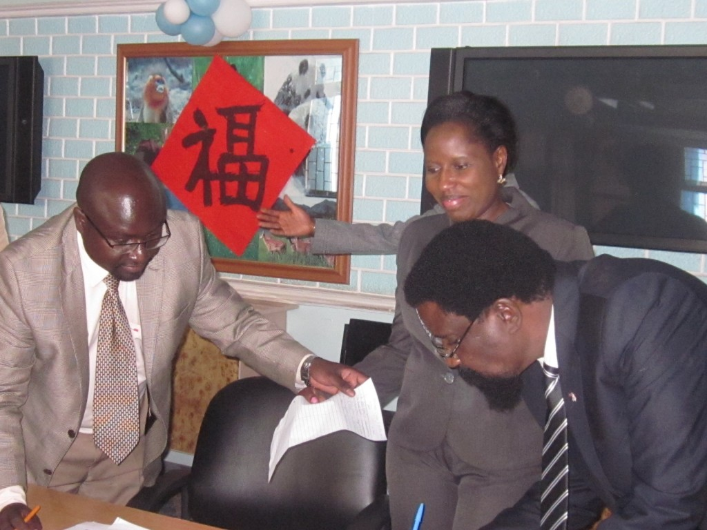 L-R: Dr. Adams Oloo, Dr. Beatrice Muganda and Prof. Peter Wanyande at the meeting that was held on the University of Nairobi campus.